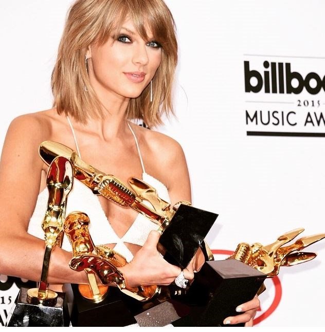 So Taylor Swift has an edgy new look and this sandy-coloured cut is now a thing of the past.