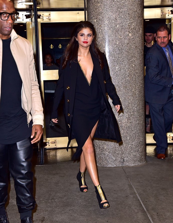 Here it is again as she was leaving the studio. Hello, cleavage!