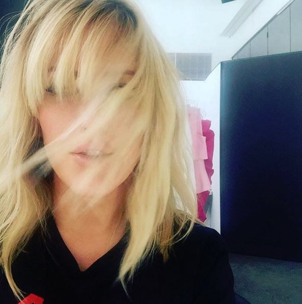 Bangs in ~action~. This confirms we'll be getting a fringe.