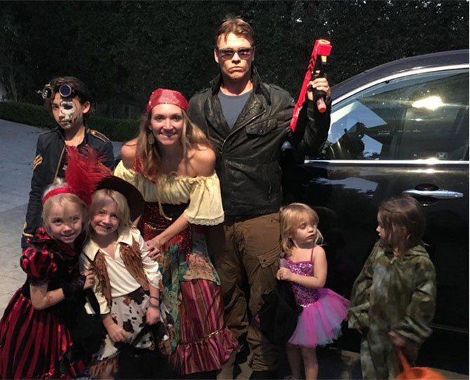 And here's Luke Hemsworth, nailing Halloween. We're unsure whether the sassy little girl in the tutu is his daughter but someone should make a meme out of her expression, stat.