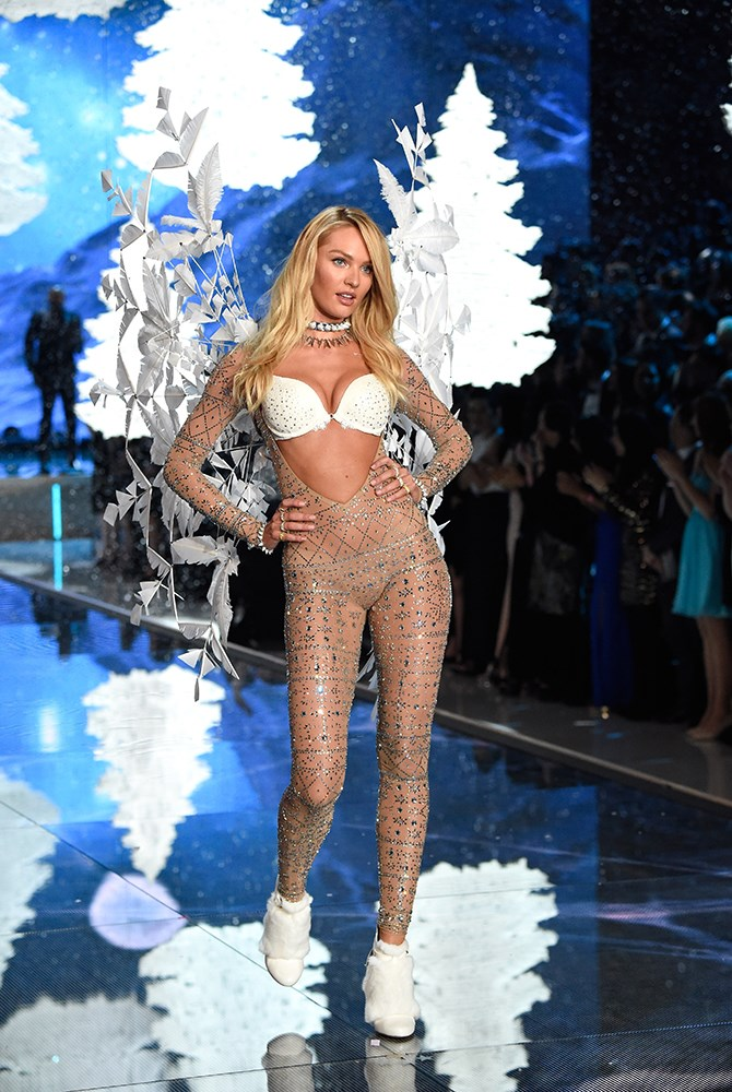 Could there be a more perfect snow angel than Candice Swanepoel ?