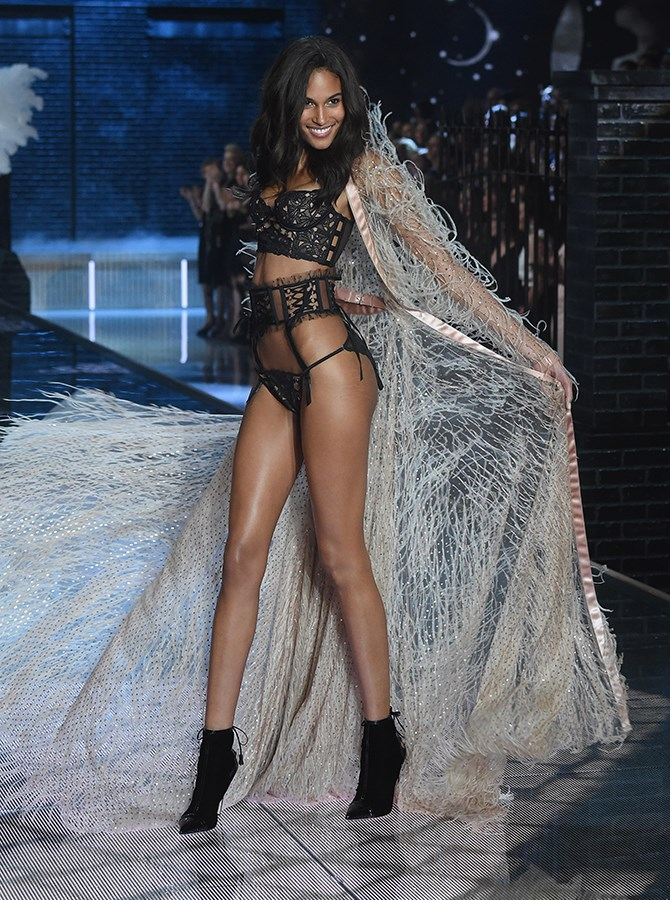 PINS ON POINT, Cindy Bruna. Imagine slipping that on that robe when you get out the bath? Not sure we could pull it off, TBH.