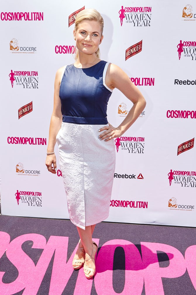 Actress, Bonnie Sveen gave us all of the nautical vibes in white and navy.
