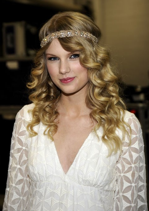**APRIL 6, 2009** Backstage at the 2009 Academy of Country Music Awards.