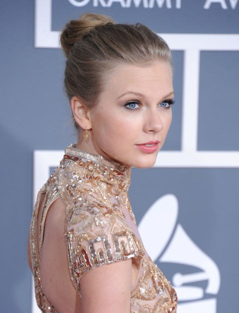 **FEBRUARY 12, 2012** At the 2012 Grammy Awards.