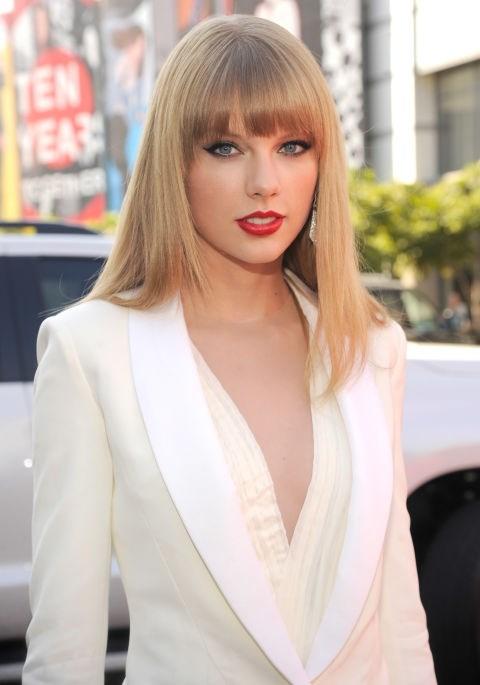 **SEPTEMBER 6, 2012** At the 2012 MV Video Music Awards.