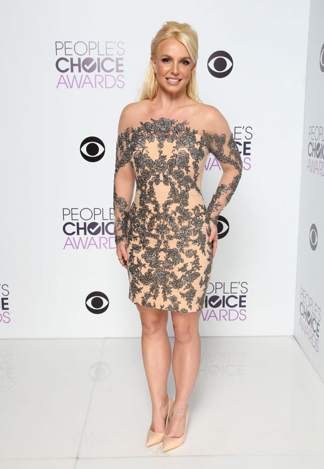Last year she brought all of the glam to the Peoples Choice Awards.