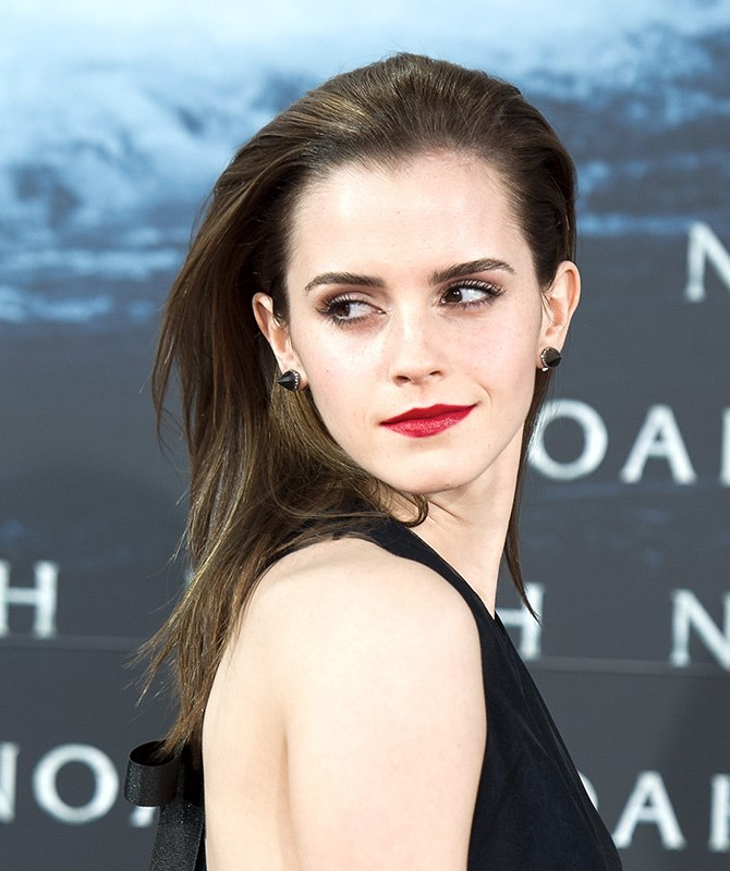 Just when Emma Watson's hair was creeping past her shoulders, she has a MAJOR change of heart and chops it all off.