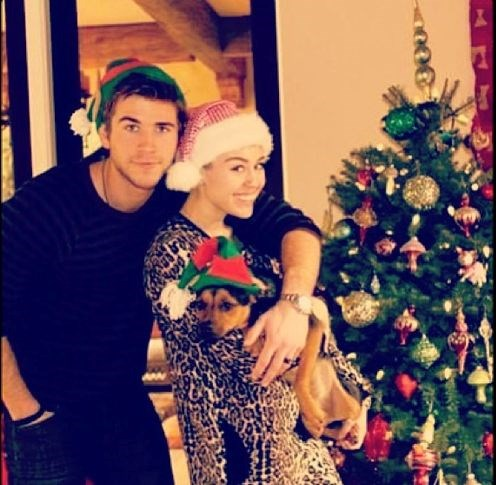 Here's one of their ~last~ Christmases together before they took that dreaded 2013 split.