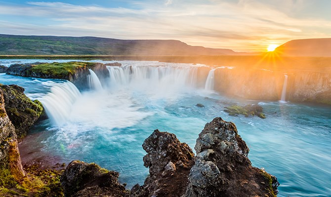 """**6. Iceland** A country sprawling with spectacular glaciers, lava formations, geysers and fjords, it's no wonder[Trafalgar](http://www.trafalgar.com/