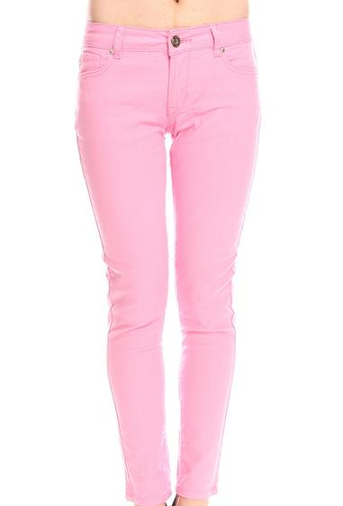 **Baby Pink Skinny Jeans** <br><br> Any wardrobe from the early 2000s would have this one staple in common. Whether you were headed out for a family dinner, or hanging out at the shops with your friends, there was nothing quite like rocking your favourite pair of Jay Jay's baby pink skinny jeans.