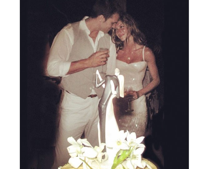 **224,000 likes** Gisele Bundchen posted a throwback to the day one of the world's most genetically #blessed couples wed saying 'Magical day! #tbt Dia mágico!'.