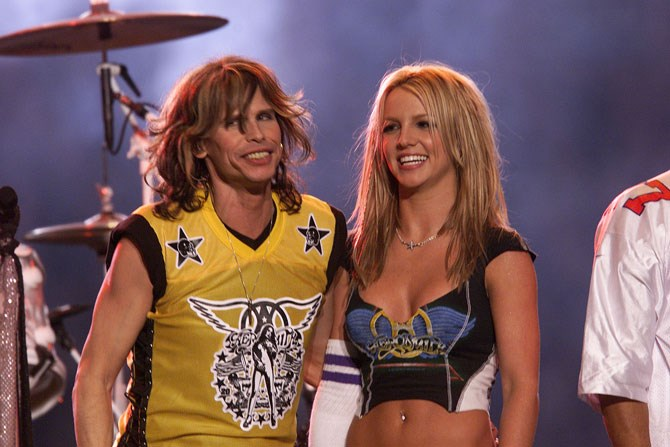 Steven Tyler and Britney Spears performed 'Walk This Way' in 2001.