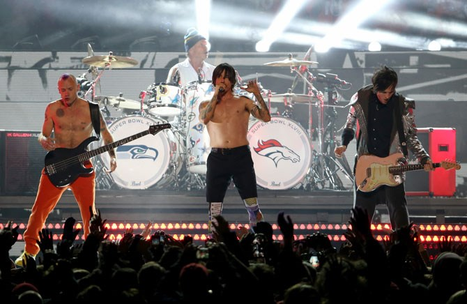 The Red Hot Chili Peppers faced criticism in 2014 - the band members were accused of not plugging in their guitars.