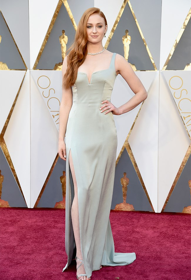 Sophie Turner is so young and so beautiful and we just feel like she aged herself by about 20 years in this boring, grey gown. Her hair is on point, though.