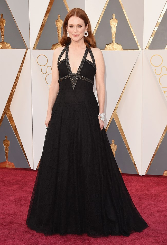 Julianne Moore opted for a more dramatic sillhouette than we're used to seeing her in and we likey! Also, loving the super elegant centre-parted hair cascading down her back.