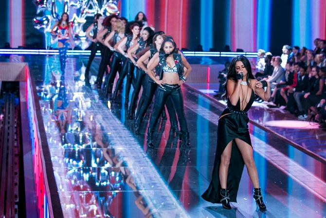 What about how she totally out-sexxed the Angels at the Victoria's Secret Fashion Show?! Basically can go down as one of her biggest life accomplishments.