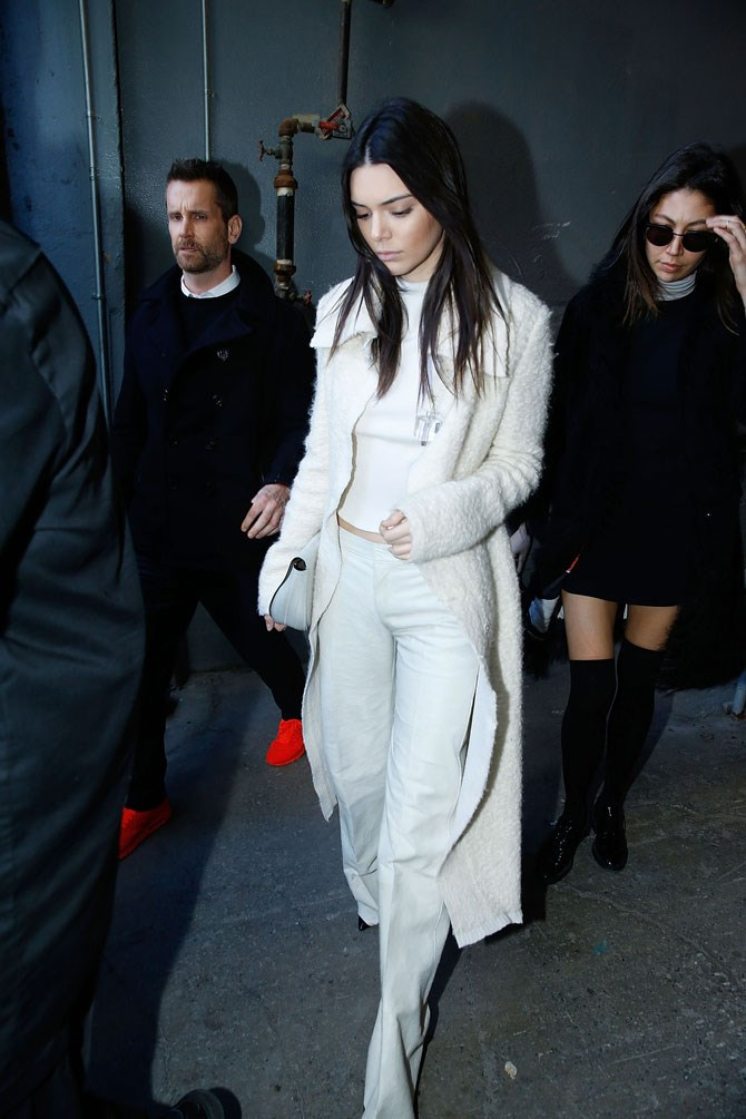 She looks just as gorg in head-to-toe white, though, right?