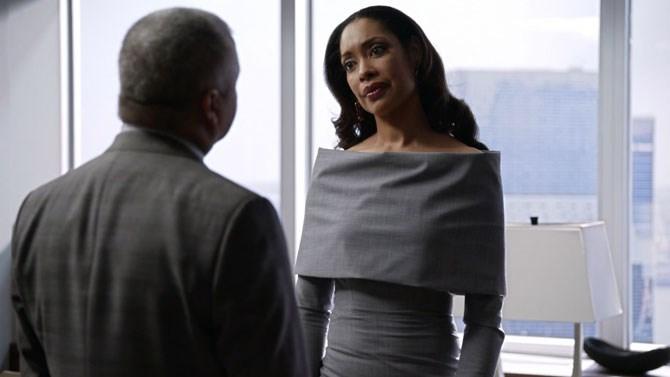 A dramatic neckline is definitely Jessica's forte.