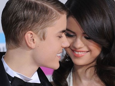 Updated: (again!) Selena Gomez has left a comment on Justin Bieber's picture of them kissing