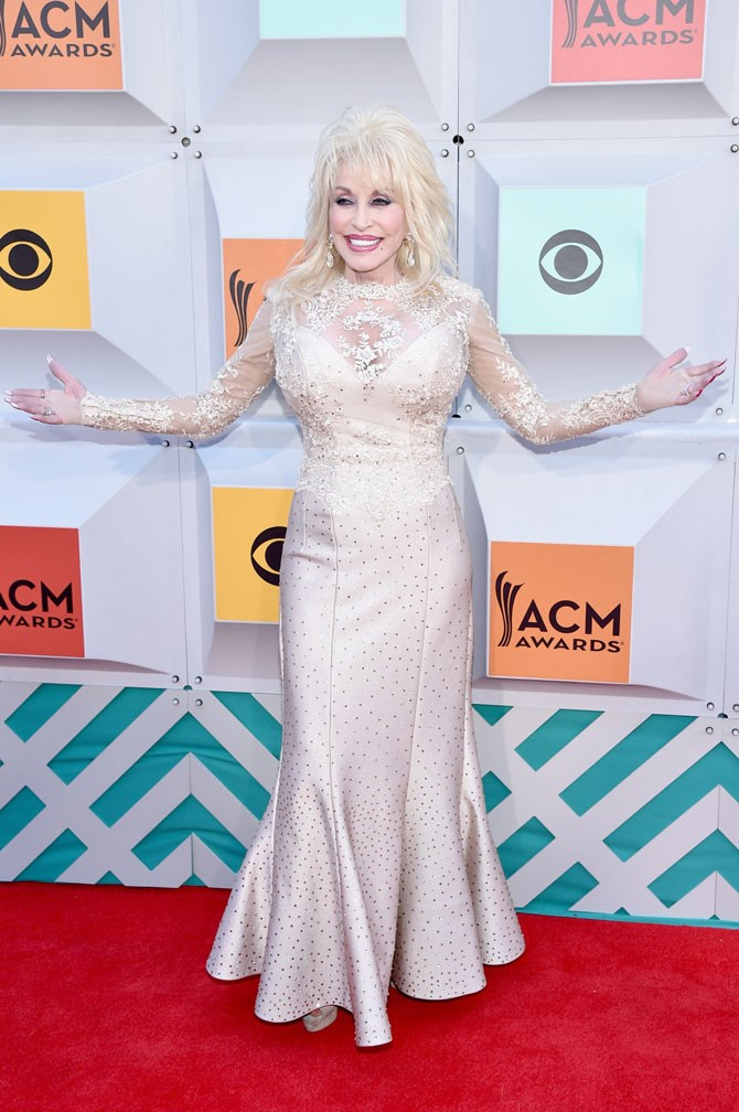 Oh, Dolly Parton. Thank you for being you.