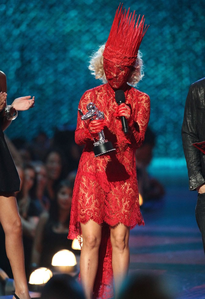 Ah yes, a masked outfit should do the trick! She won the award for Best New Artist.