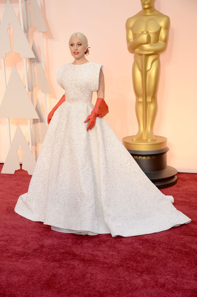 Her Academy Awards dress was actually out of this world! And that pulled back hair! But why oh why did she have to wear the washing up gloves?!
