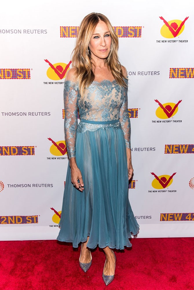 Sarah Jessica Parker was spotted out and about in NY giving us all of the ~Frozen~ vibes in this ice blue midi dress. Elsa, is that you?!