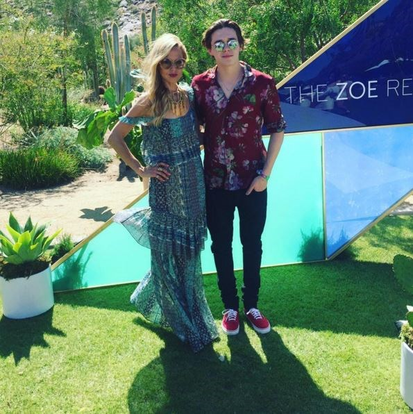Rachel Zoe set up shop and fittingly called it the *ZOEasis* for the official Zoe Report party. Even Brooklyn Beckham popped by to say hello! Aww, #FamilyFriends.