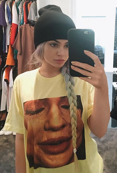 Here is Kylie Jenner wearing a T-shirt of Kylie Jenner. It already has over 1m likes on Insta. Not sure about that zoomed-in shot but hey, it's Kylie, she does what she wants.