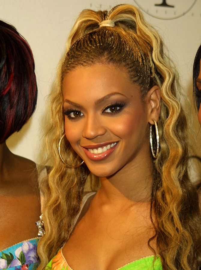 16. The cornrows, the fountain pony, the highlights, the waves. This is basically all of Bey's hairstyles rolled into one. <3