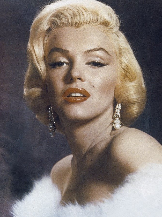 **The 1950s** But Marilyn Monroe hitched that arch right back up again. She also lifted the front section of the eyebrow, meaning there's not as steep a climb from where the eyebrow starts up to the peak.
