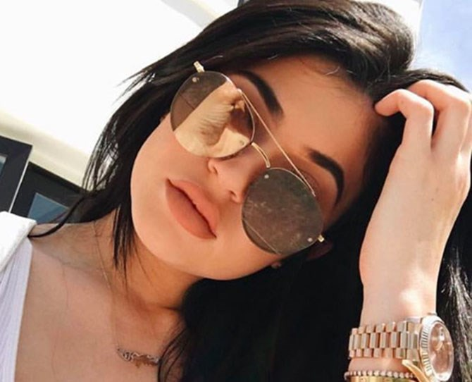 Calling all makeup fanatics: Kylie Jenner just gave a sneak peak of her latest Lip Kit on Snapchat... and it's the most usable colour yet: nude. Or, as it's formally called, 'Exposed' ('cause she's punny like that).