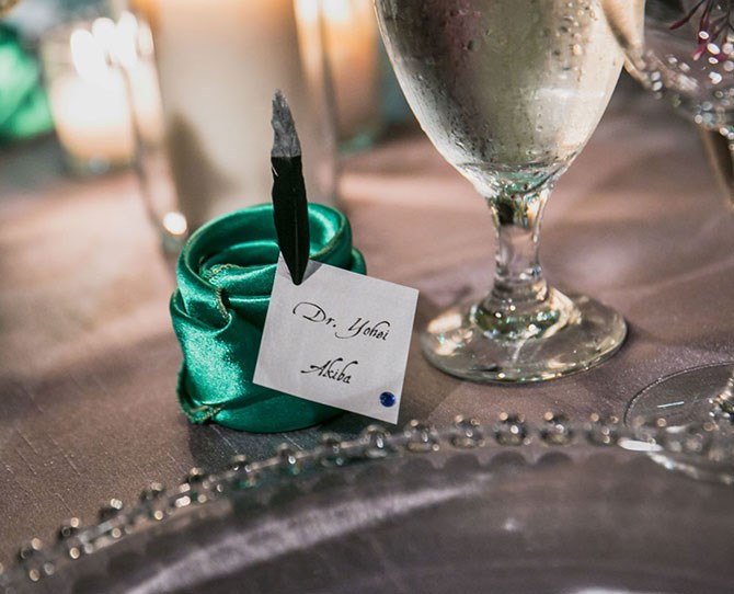 Ooooo fancy placecards.