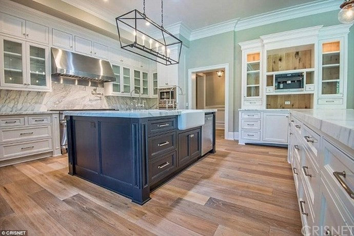 You just know some serious conversations are be going to had around that kitchen island.