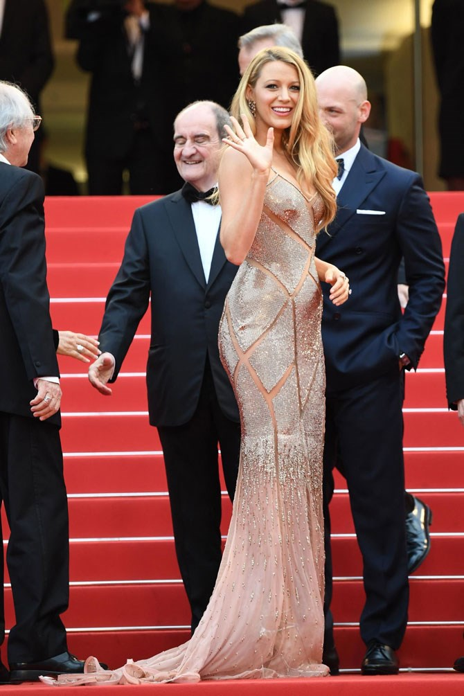 Then it was off to Cannes Film Festival, where Blake's bump literally started to grow in front of our very eyes...