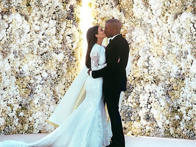 Kim Kardashian posts sweetest message to Kanye West for their 2-year anniversary