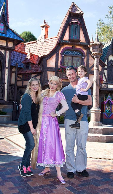 And of COURSE Freddie Prinze Jr and Sarah Michelle Gellar are still giving us couple goals like no other. They've been married since 2002.