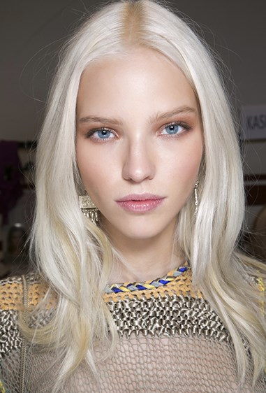 While blonde arguably never goes *out* of fashion, there's a specific type of blonde that's particularly *in*at the moment: platinum. As impractical as it may be, there's no denyin' that icy strands look angelic AF. What's more? It suits EVERYONE - huzzah!