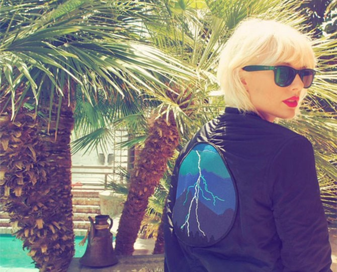 "**April 2016** Taylor wears a bomber emblazoned with Calvin's single art for ""This Is What You Came For"" at Coachella.  Later, she promotes the single and it's the last she mentioned him on Insta. Now [*People* are reporting it's over.](http://www.cosmopolitan.com.au/celebrity/celebrity-gossip/2016/6/taylor-swift-calvin-harris-split/