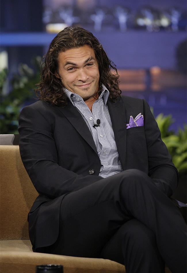 DAYUM. 2011 Momoa loved a good suit. And we loved him in them.