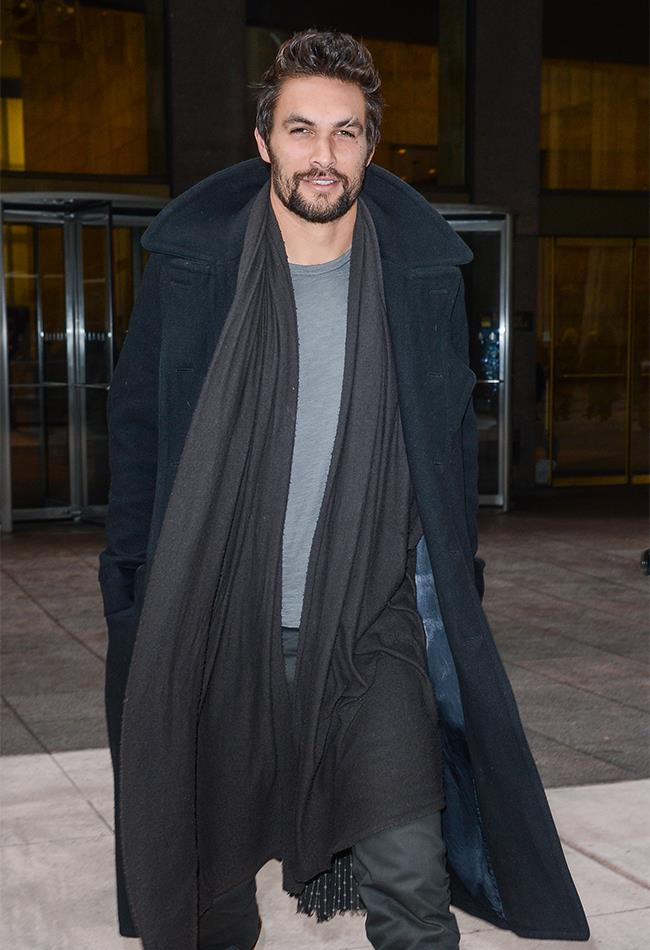 HOLY SHORT BACK AND SIDES. 2013 Momoa got a hair cut and we can barely contain our loins over it.