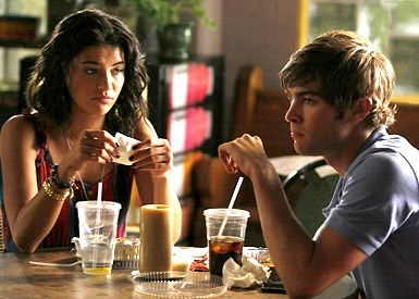 9. Nate & Vanessa Nobody was really shipping Nanessa (?) – their romance just kept on coming back through the first three seasons, even though their scenes together were always pretty flat. They always felt like a backup couple, and it was a relief when they finally called it quits after backpacking through Europe.