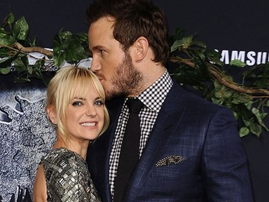 This video of Chris Pratt and Anna Faris learning how to wrestle is everything