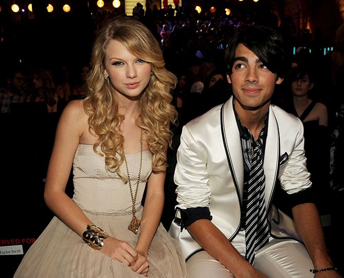 **6. Joe Jonas: Dated Taylor July 2008-October 2008** Joe's got a pretty impressive resume in the way of beaut exes including Gigi Hadid, Demi Lovato, Ashley Greene. We totally forgot about T-Swizzle, if we're honest. But how weird was it when she was hanging out with him and his then-girlfriend Gigi Hadid, even though she wrote angsty break-up songs about him? As would we if we were dumped over a 27-second phone call… (and actually had the talent to write angsty break-up songs, of course).