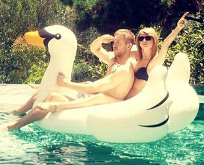 **2. Calvin Harris: Dated Taylor February 2015-June 2016** Had cat baked delicious-looking things, gave us SwanGoals. Devastation levels were high. LOVE WAS DEAD. Until…