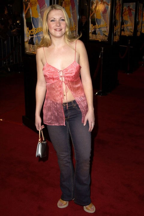 **SPLIT-BOTTOM TOPS**    *Melissa Joan Hart at the premiere of Crossroads on Feb. 11, 2002.*