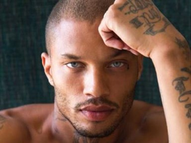 The world's hottest felon, Jeremy Meeks, posts a selfie with his son