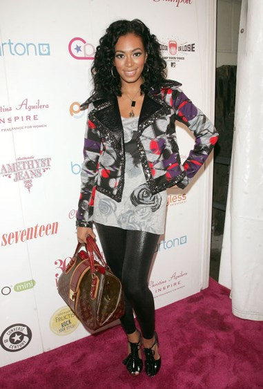 **This go-to combo** Short jacket + long top + (liquid) leggings. This was standard layering in 2008.