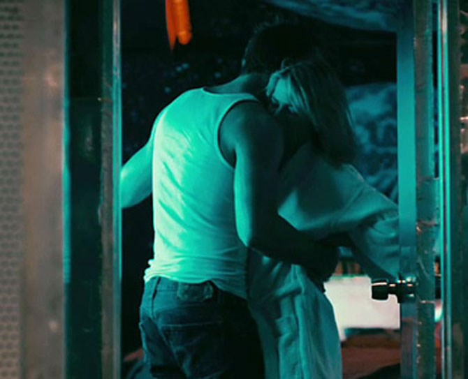 **24. Blue Valentine** *Blue Valentine,* albeit depressing, is one of the sexiest movies of our time. Plus, Ryan Gosling… AGAIN!